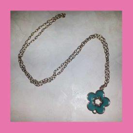 collana-lunga-oro-con-fiore-azzurro